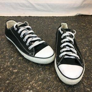 Black Converse all star SIZE 10 mens
